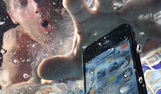 iphone mojado no enciende